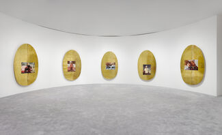 Jordan Wolfson: ARTISTS FRIENDS RACISTS, installation view