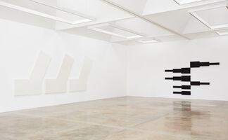 David Novros: Paintings 1966, installation view