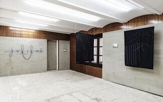 Clavo, installation view