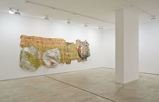 El Anatsui: Trains of Thought, installation view