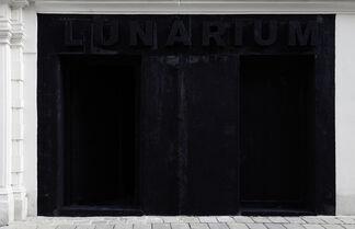 DANIEL KNORR - Lunarium, installation view