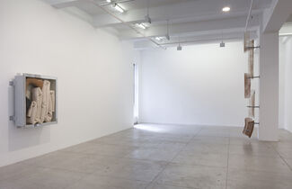 Nairy Baghramian: Dwindle Down, installation view
