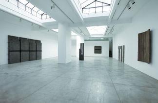 GIUSEPPE UNCINI Cemento e cemento disegnato Works from 1958 to 2008, installation view