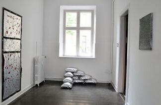 JOHN KNUTH - Sheath/Shroud, installation view