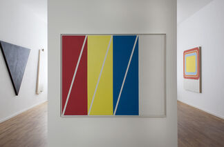 WINFRED GAUL. CROSSING THE CIRCLE, installation view