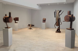 Richard Stankiewicz, Sculpture from the 1960s-1970s, installation view