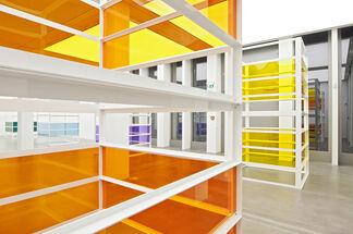 Liam Gillick: Complete Bin Development, installation view
