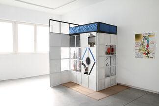 Double Super Flux Tendu, installation view