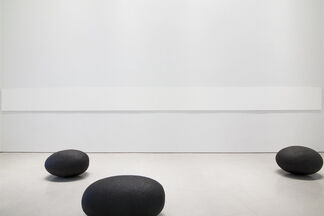 Wolfgang Laib: Where the Land and Water End, installation view