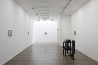 Jerry Zeniuk, Listen to me Look at me, installation view