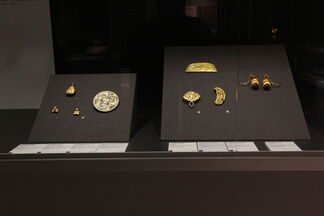 Golden Techniques: Art of the Chinese Goldsmiths, installation view