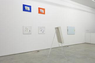 flats, installation view