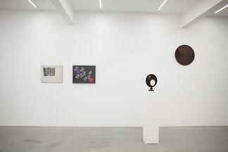 Colla, Pinna, Pomodoro, installation view