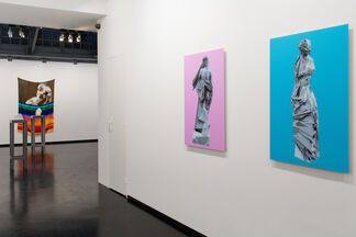 SCREEN / SPACE solo show by Phil Thompson, installation view