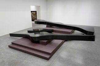 Michael Heizer: Altars, installation view