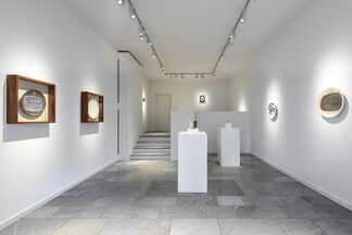 Lucio Fontana - Ceramics, installation view