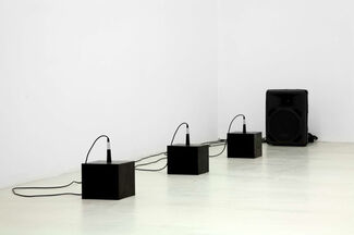 Michael Sailstorfer: No light, installation view