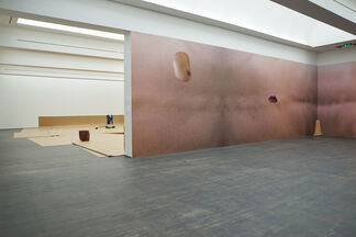 Guillaume Leblon | THERE IS A MAN and more, installation view