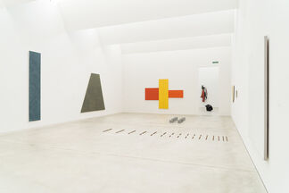 Calder to Kelly   The American Collection, installation view