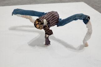 December / Uri Radovan, installation view