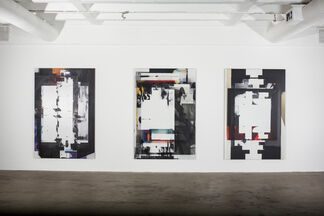 Broomberg & Chanarin: Bandage the knife not the wound, installation view