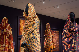 Phulkari: The Embroidered Textiles of Punjab from the Jill and Sheldon Bonovitz Collection, installation view