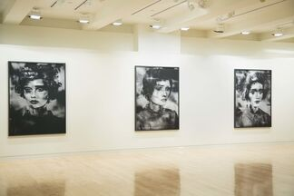 Valerie Belin: Painted Ladies, installation view