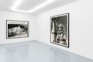 THOMAS RUFF    ++from the press++, installation view