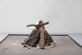 El Primer Fuego, installation view