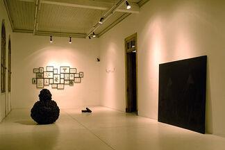 BLACK COVER VERSION - Paulina Silva y Patricio Gil Flood, installation view