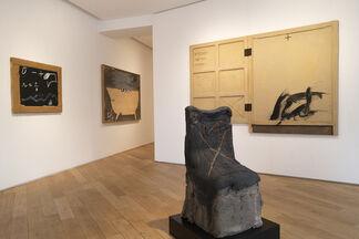 """Antoni Tàpies : """"L'objet"""", installation view"""