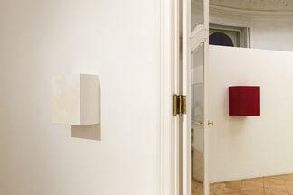 Angela De la Cruz - Selected Works 2005 - 2016, installation view