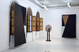 ARQUITECTURA Y AMISTAD - Felipe Mujica & Johanna Unzueta, installation view
