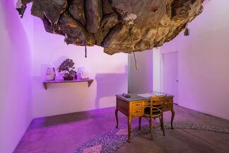 Thomas Macker: Holdout, installation view