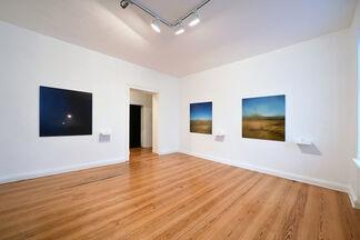 Una Cierta Edad del Mundo: Oscar Santillán solo show, installation view