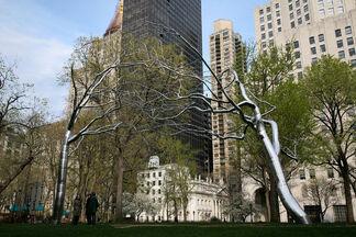 Roxy Paine: Three Sculptures, installation view