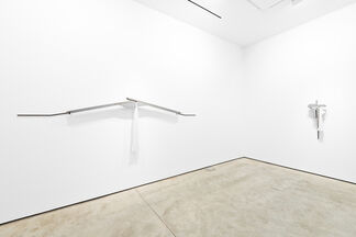 Lucas Simões: White Lies, installation view
