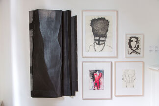 André de Jong: Folds and Drawings, installation view