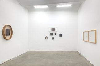 MAGDA CSUTAK | Null und Etwas, installation view