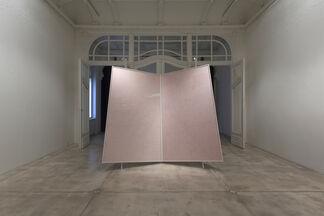 Galerie Krinzinger at Abu Dhabi Art 2015, installation view