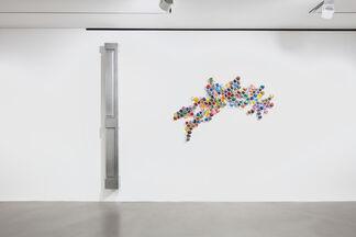Jim Lambie: NORTHERN SOUL, installation view