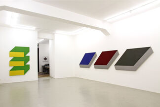 Shaped Canvases 1967/68, installation view