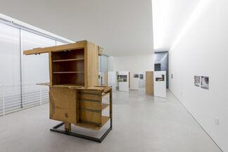 Black Earth: Andreas Fogarasi / Oscar Tuazon, installation view