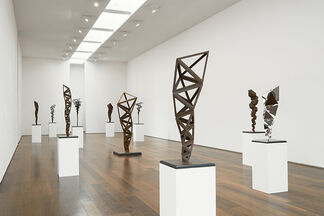 Conrad Shawcross : Inverted Spires and Descendent Folds, installation view