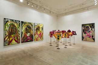 Jonathan Meese - DE PAKT MIT RICHARD WAGNERZ (Gestattns': Die Hügeljanerz hebens' ab …), installation view
