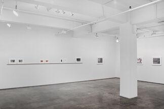 Lineas y Piedras, installation view