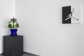Lit!, installation view