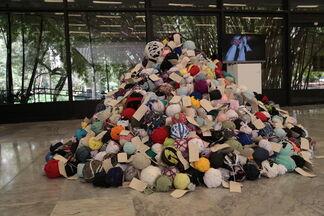 Ana Isabel Diez: En-Bola-Atados, installation view