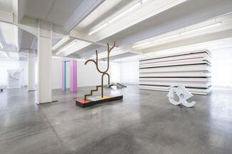 Wo ist hier? #2: Raum und Gegenwart, installation view