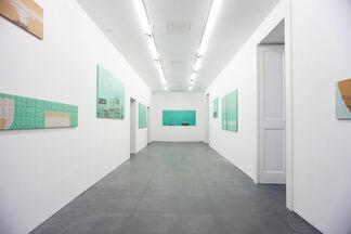 "HENDRIK KRAWEN ""Shades of Green"", installation view"